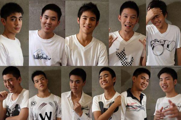 很多可愛的泰國小男生