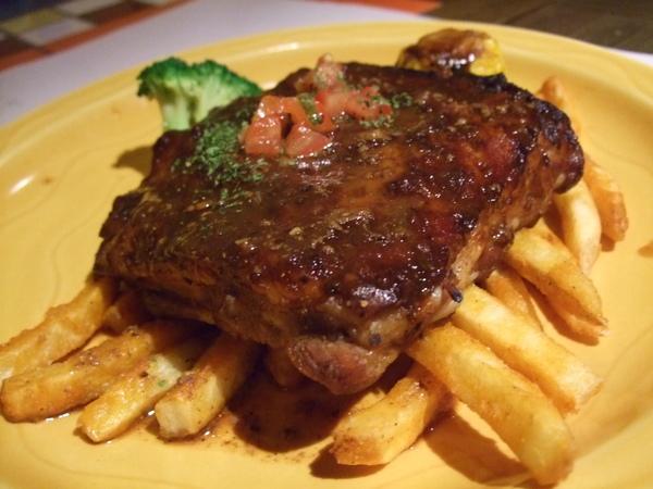 主菜:美式燒烤豬肋排
