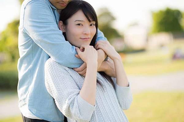 另一半總是「性趣」缺缺?一次學會5種肢體接觸,改善兩人親密關係-01.jpg
