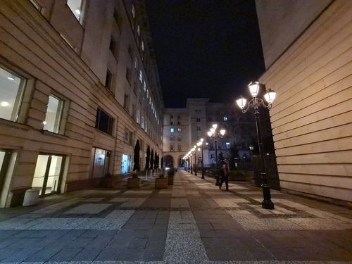 S20_UltraWide_Night_Off_5.jpg