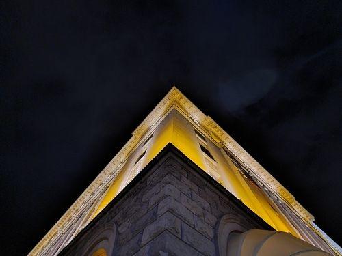 S20_UltraWide_Night_On_3.jpg