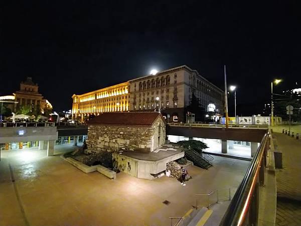 Night_mo_ultra_1.jpg