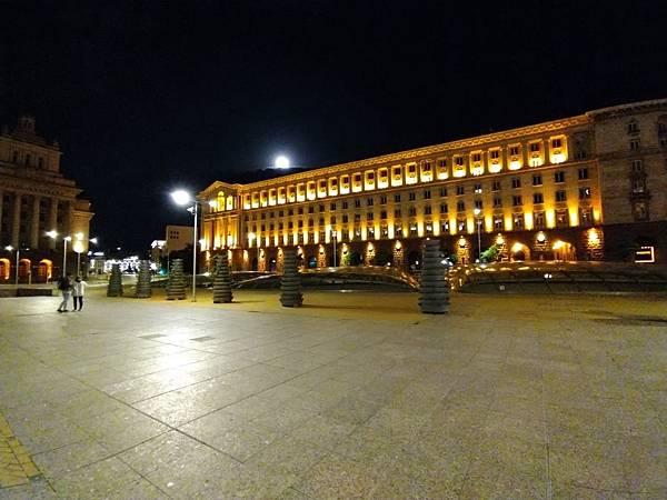 Night_mo_ultra_3.jpg