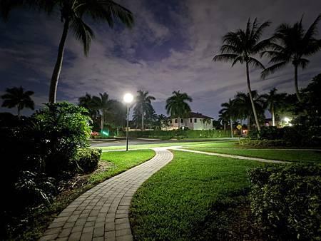 Night_Sight_ultra-wide_4.jpg