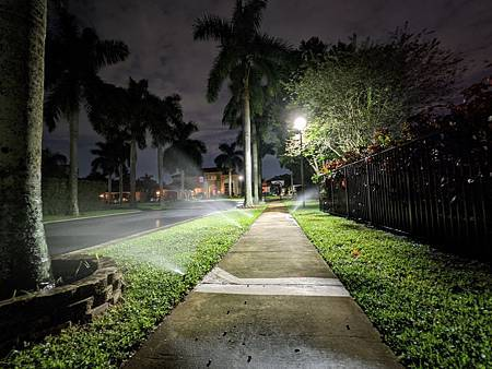 Night_Sight_ultra-wide_2.jpg