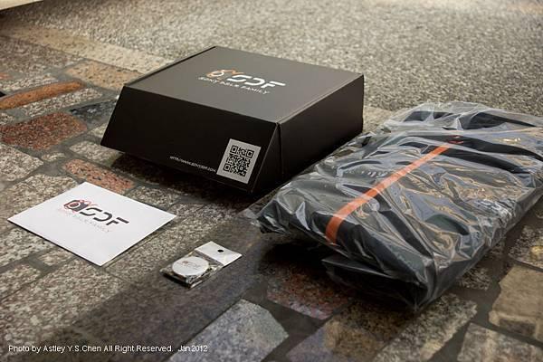 SDF20120107 2011風衣盒裝