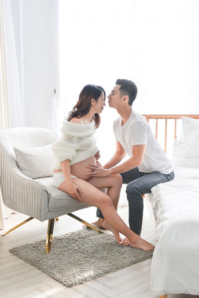 台北孕婦寫真推薦-琪琪小姐與喬先生 由女攝影師掌鏡  
