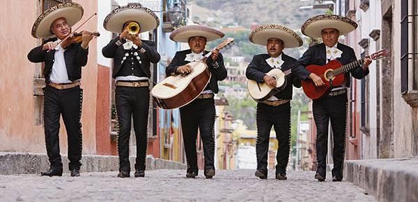 7-1-mariachi-band-stock-jeremy-woodhouse-640x310.jpg
