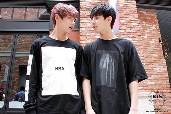 450379-bangtan-boys-v-jungkook-2