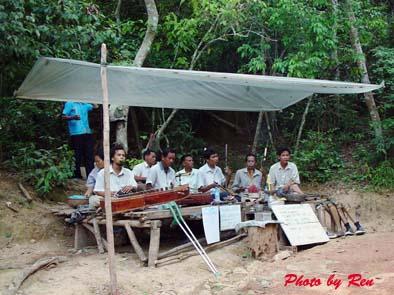 0530-phnom bakheng01.jpg