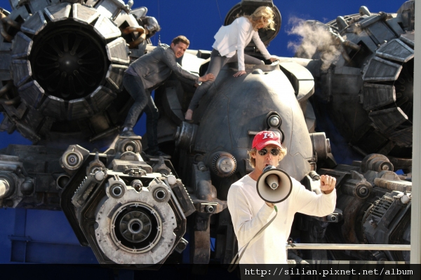michael-bay-on-transformers-3.jpg