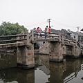 這座橋也很特別~