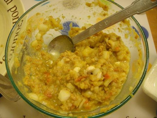 吃剩的咖哩醬+馬鈴薯泥+洋蔥丁+白菇