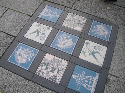 橫濱行人道上的地磚~ 很有趣