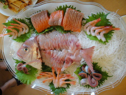 朋友老公自己做出的生魚片冷盤.jpg