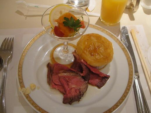 Roast beef和冷盤都很好吃~