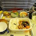 JAL 機內餐,糖醋雞,好好吃喔~ 吃的全見底,感覺得到JAL的用心~