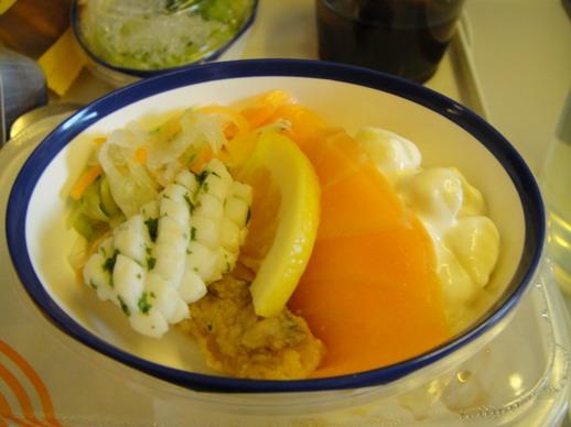 海鮮沙拉~ 也是很美味,裡面還有我愛的薰鮭魚