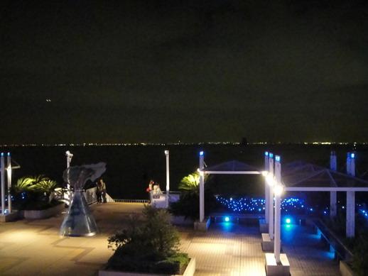 Umihotaru的夜景,我們在海中央呢~