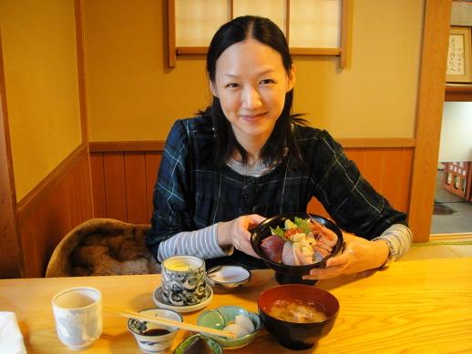 生平第一次嚐試海鮮丼