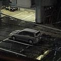 樓下停車場的車頂己經開始積雪了