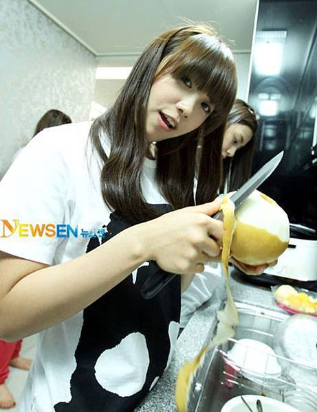 20110530_apink_dorm_invasion_21.jpg