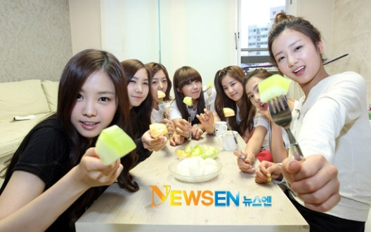 20110530_apink_dorm_invasion_25.jpg