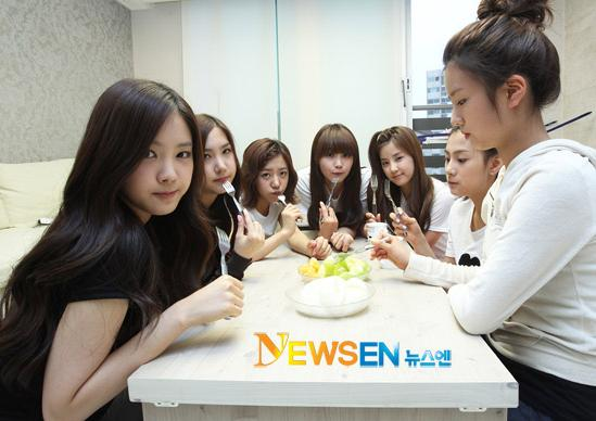20110530_apink_dorm_invasion_24.jpg