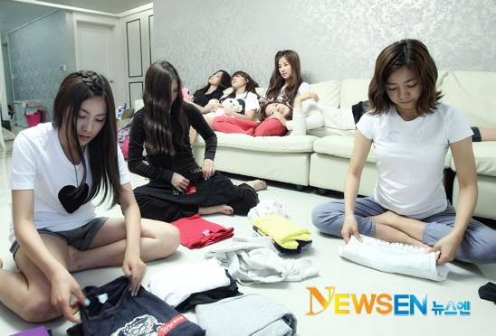 20110530_apink_dorm_invasion_17.jpg