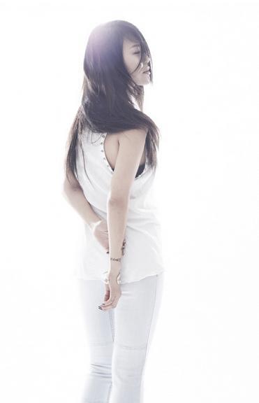 Baek-Ji-Young-4