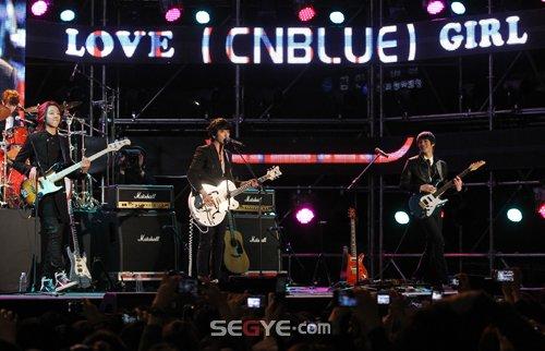 2011-03-21-CNBLUE-showcase-5