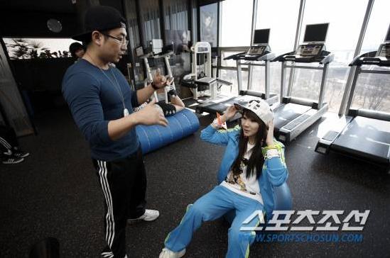 20110320_2ne1_training_20