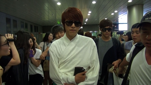 20120813_sungyeol_robe