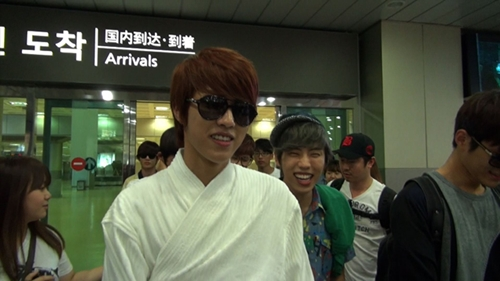 20120813_sungyeol_robe2