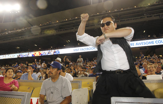 20120820_PSy_Dodgers2