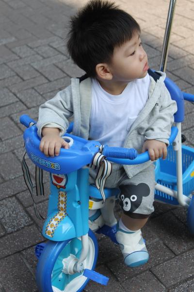 play腳踏車 030_調整大小.jpg