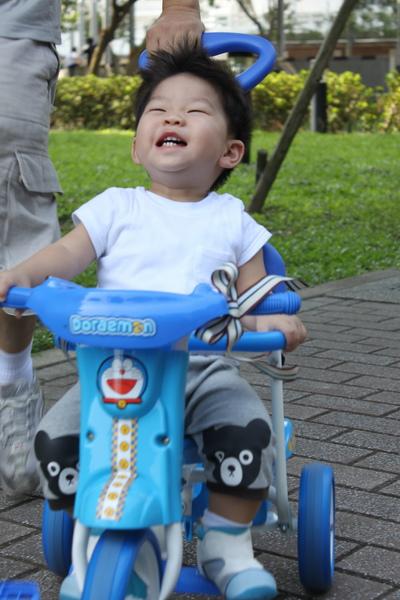 play腳踏車 050_調整大小.jpg