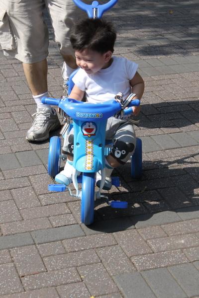play腳踏車 051_調整大小.jpg