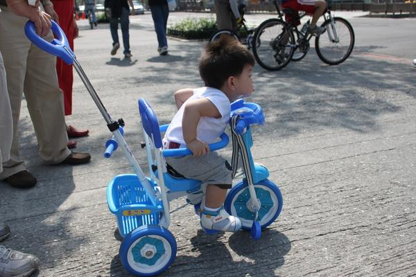 play腳踏車 061_調整大小.jpg