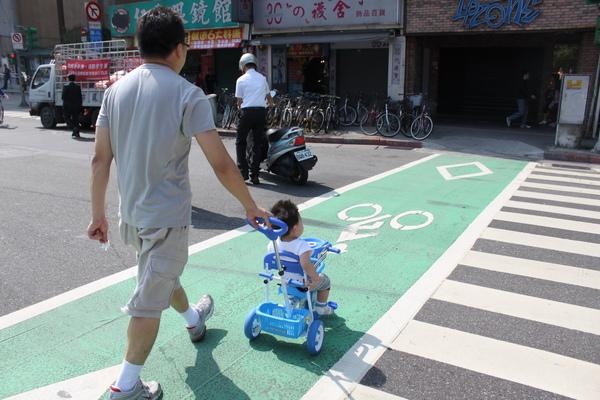 play腳踏車 063_調整大小.jpg