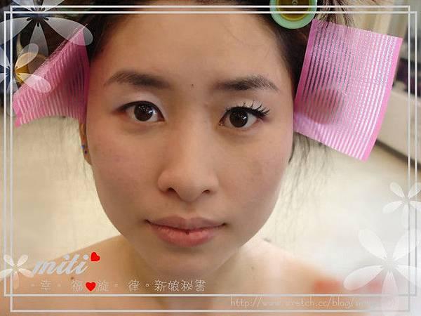 劉小姐-上完底妝