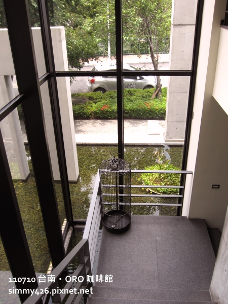 樓梯間(2).JPG