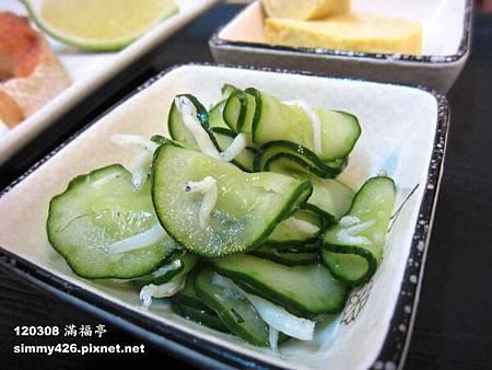 醃漬小黃瓜 + 吻仔魚