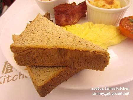 歐姆蛋捲佐培根+焗烤洋芋+焗烤番茄+洋菇(4)