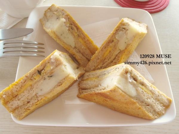 全麥義式燻雞烤牛奶三明治(1)