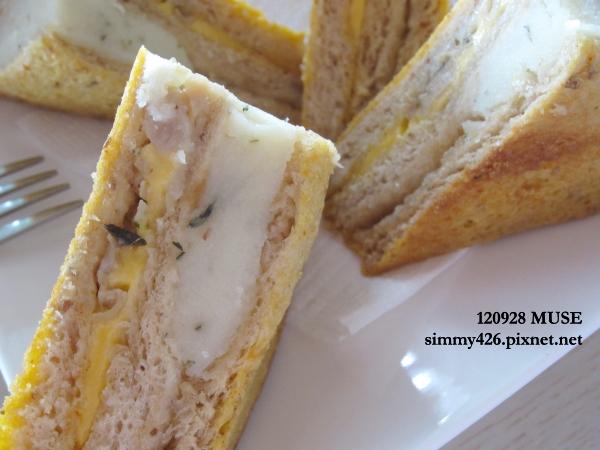 全麥義式燻雞烤牛奶三明治(2)