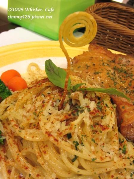奶油菌菇義大利麵佐雞腿肉(2)