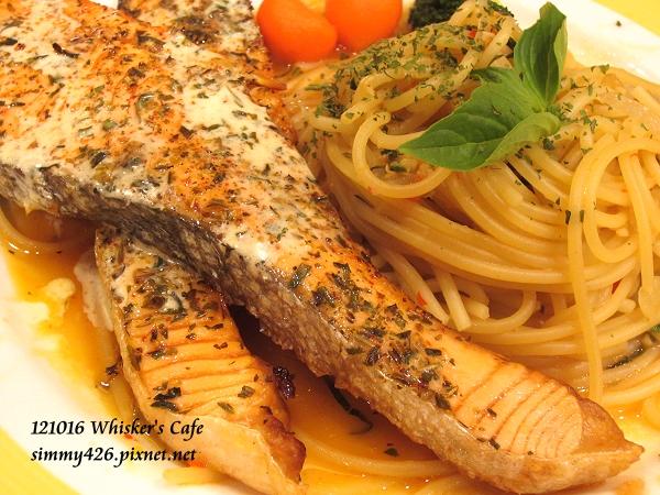 香煎鮭魚佐義大利麵(2)