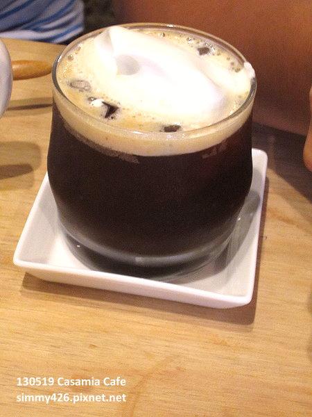 奶霜黑咖啡
