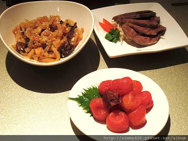 涼拌海蜇皮, 話梅小番茄 & 五香滷牛腱.jpg
